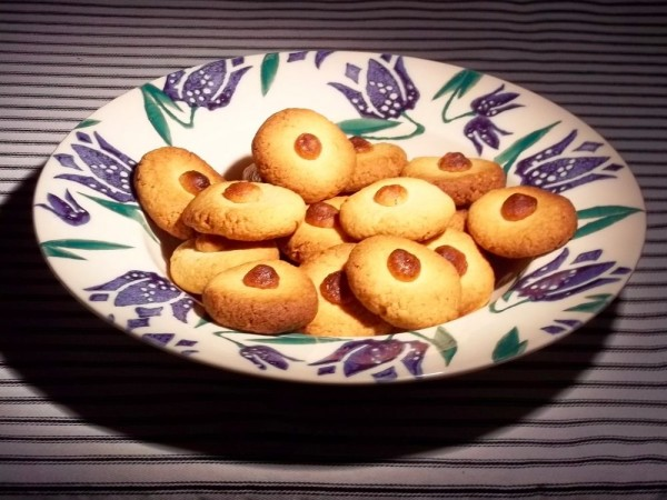 Almond and marzipan biscuits