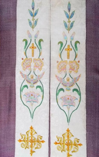 White liturgical stole: hand embroidered