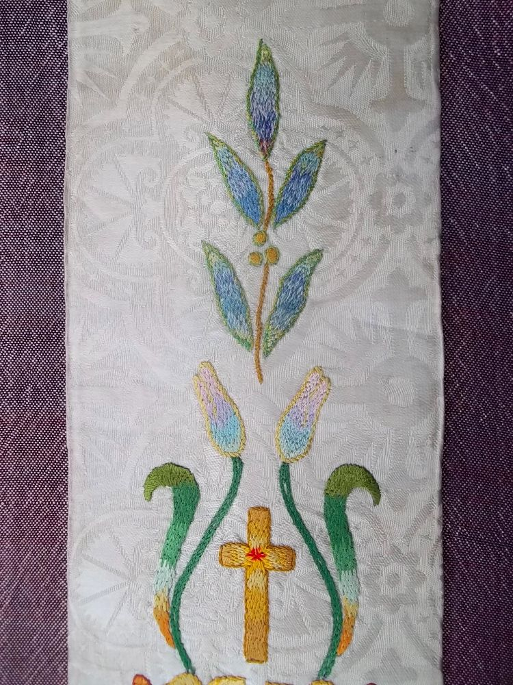 Church Vestments The Stole White And Red Addison