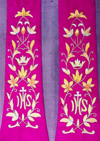 Liturgical red stole