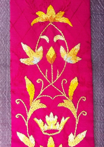 Red liturgical stole: embroidered detail