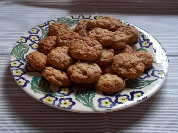 Chocolate chip cookies (adapted from Green & Black's recipe )