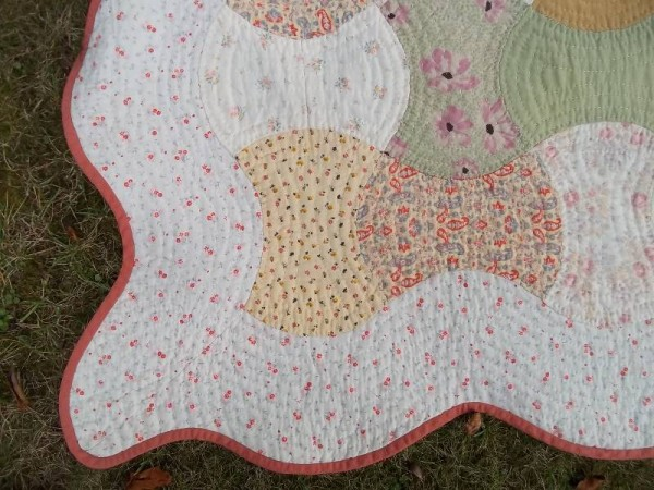 Double axehead quilt: detail of corner