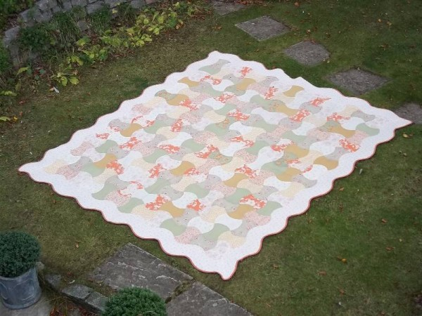 Double axehead quilt (hand pieced and hand quilted by Mary Addison)
