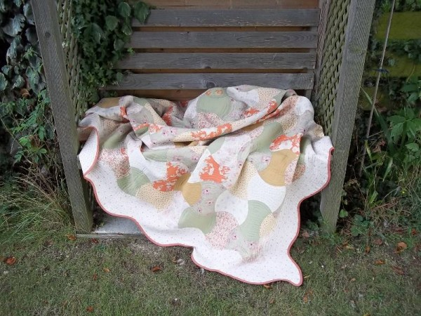 Double axehead quilt: a cosy quilt for a breezy day