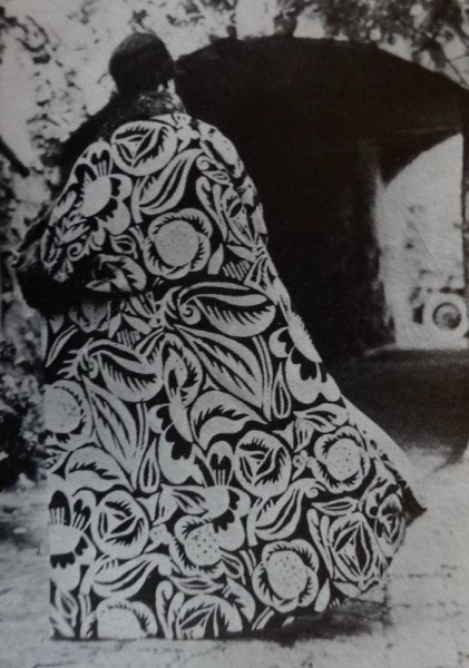 "Paul Poiret's ""La Perse"" coat using Raoul Dufy's fabric design (from Alan Powers: Modern Block Printed Textiles, Walker Books 1992)"