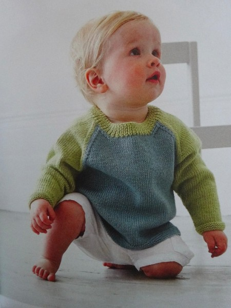 Debbie Bliss: 2 colour raglan sweater from Baby Cahmerino 5 (2013)