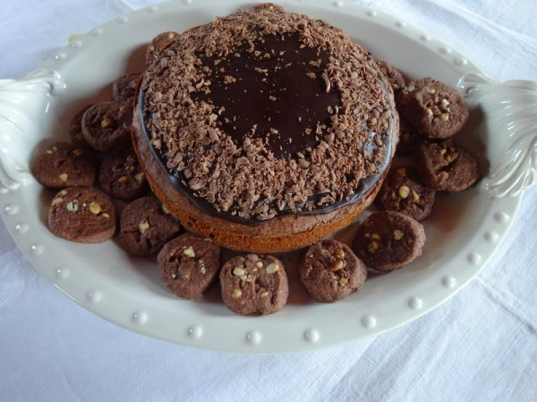 Milk chocolate cake and Double chocolate shortbread biscuits