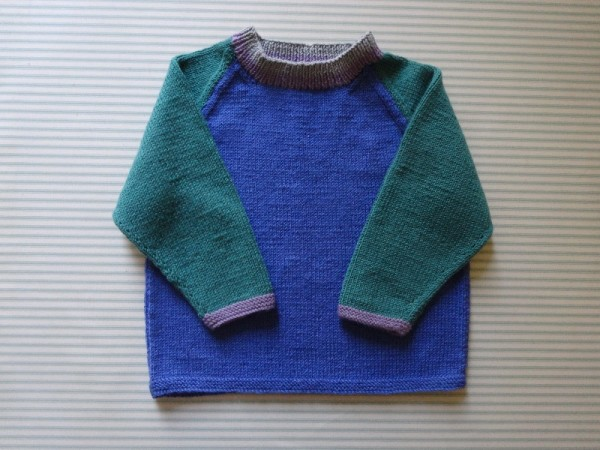 Debbie Bliss pattern for 2 colour raglan jumper