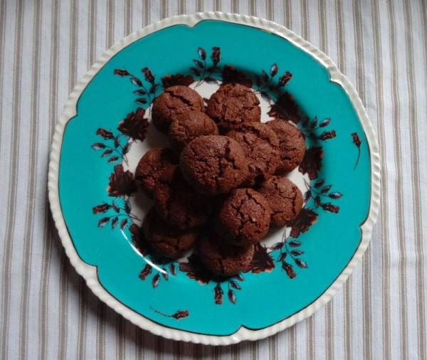 Chocolate macaroons (from Nigella Express)