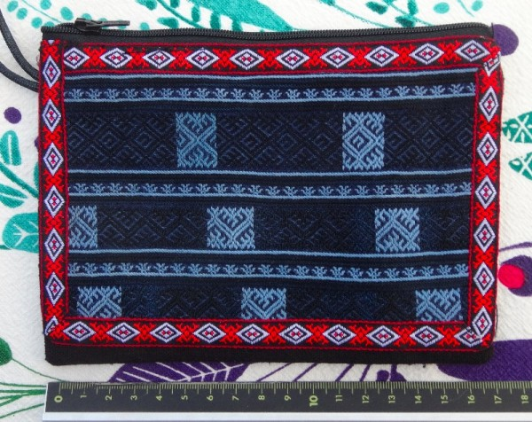 Red Dao embroidery: small zipped purse