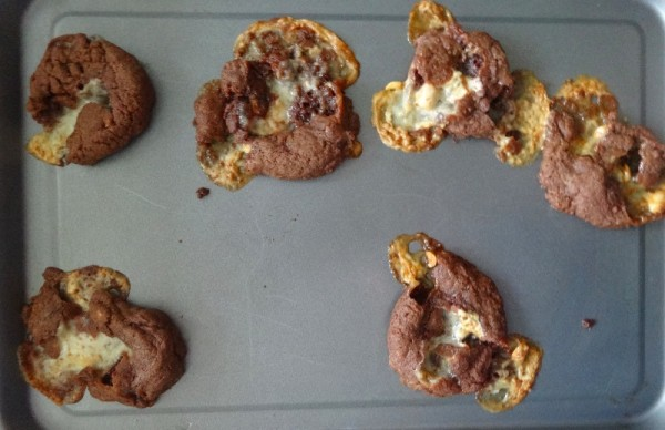 Chocolate nougat cookies: first disastrous attempt