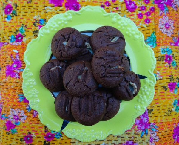 Chocolate nougat cookies (adapted from a Nigellissima recipe)